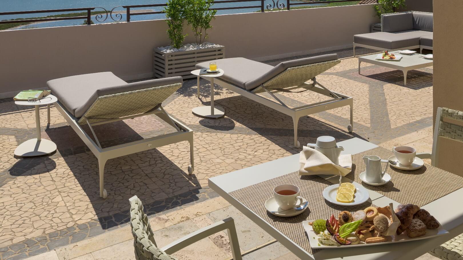 https://www.chialagunaresort.com/wp-content/uploads/2021/05/IHC_Chia-Laguna-Resort_grid_CL4U_breakfast.jpg