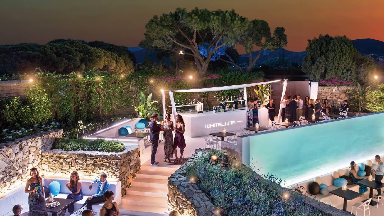 https://www.chialagunaresort.com/wp-content/uploads/2021/05/IHC_Chia-Laguna-Resort_grid_nightlife.jpg