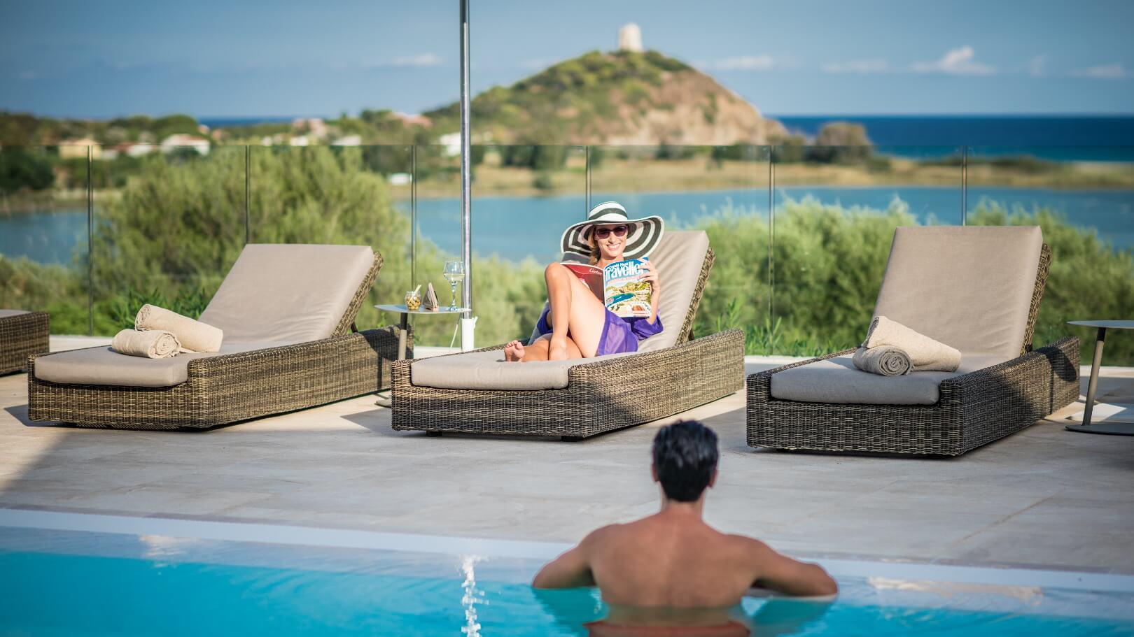 https://www.chialagunaresort.com/wp-content/uploads/2021/05/IHC_Chia-Laguna-Resort_grid_romantic_couple-pool-terrace.jpg