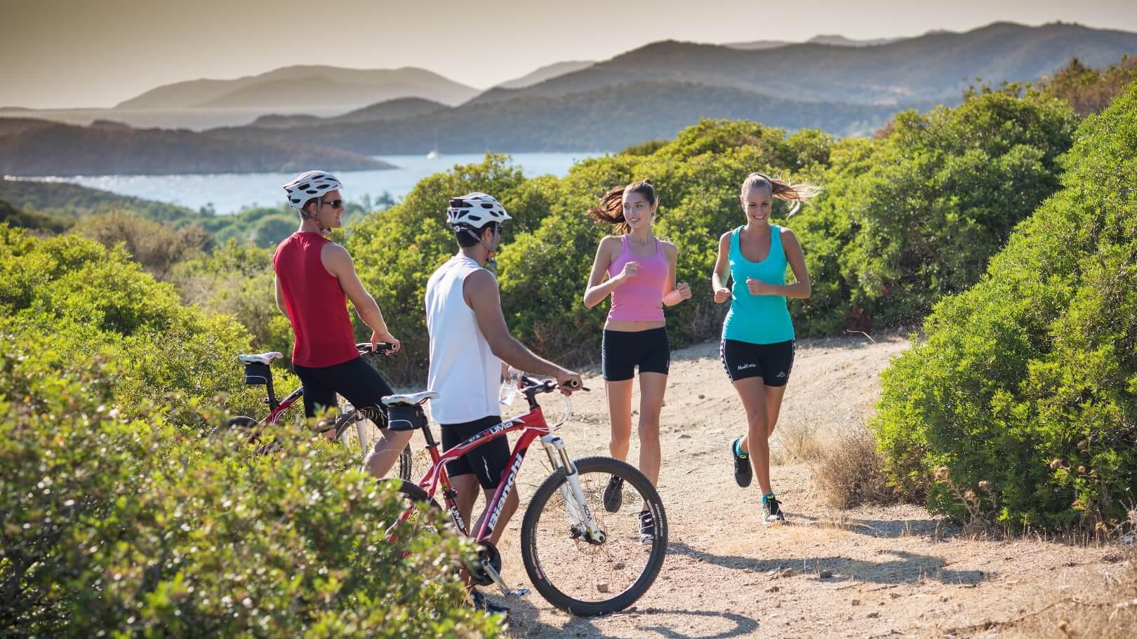 https://www.chialagunaresort.com/wp-content/uploads/2021/05/IHC_Chia-Laguna-Resort_grid_running-bike.jpg