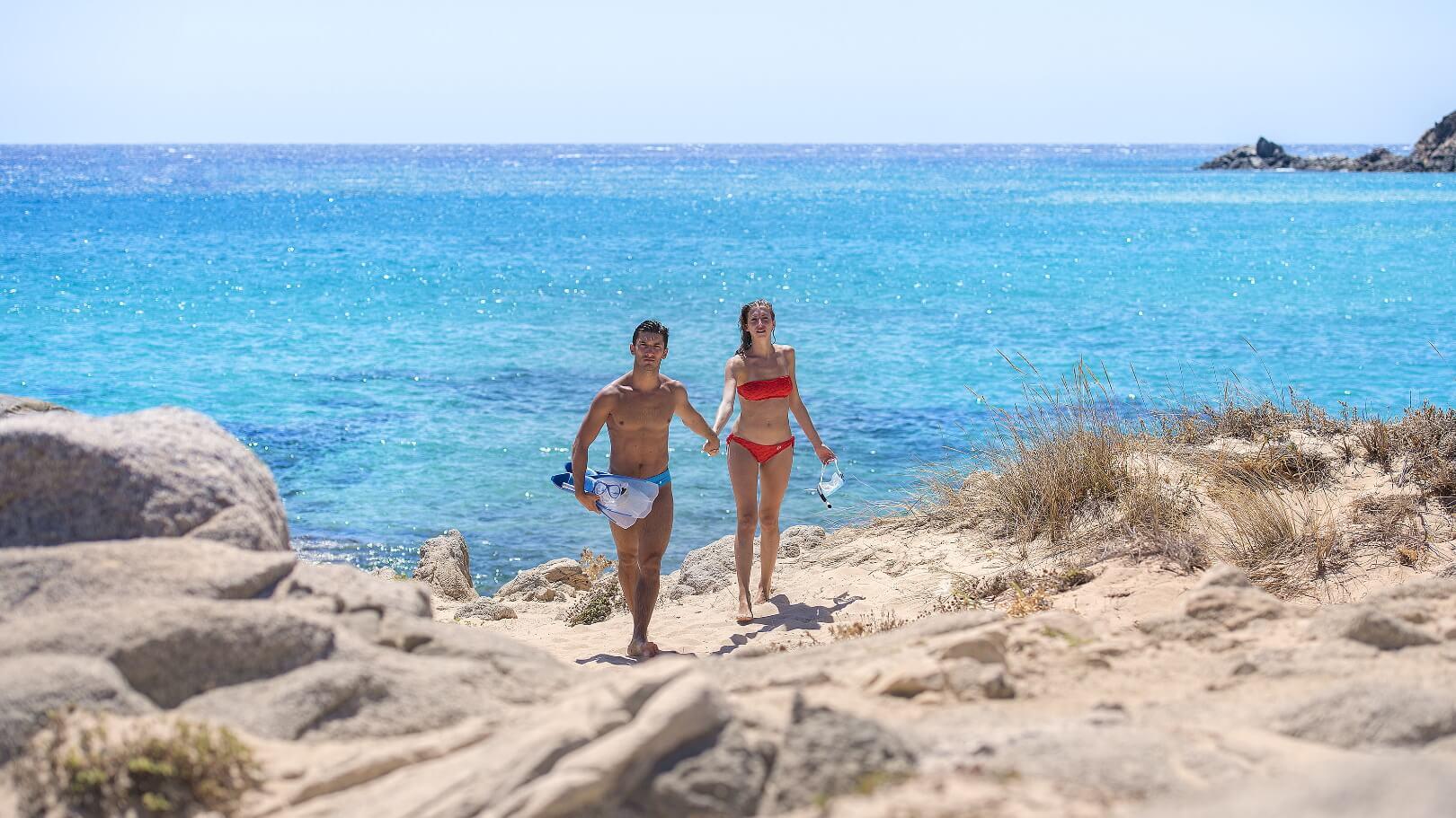 https://www.chialagunaresort.com/wp-content/uploads/2021/05/IHC_Chia-Laguna-Resort_grid_water-sports-5.jpg